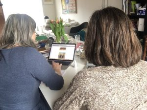 Samen om tafel website maken en klant leren die zelf te onderhouden